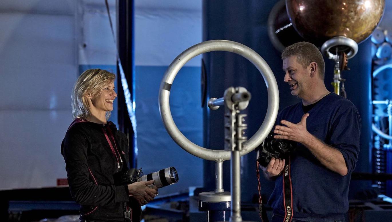 Die Industriefotografen Silvia Steinbach und Christian Ahrens on location. Foto: Ahrens+Steinbach Projekte