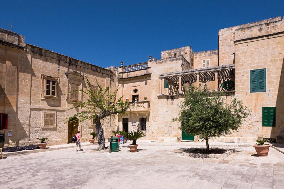 Pjazza Mesquita, Mdina